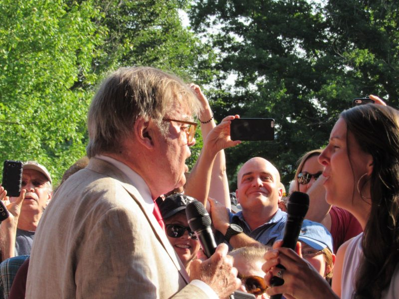 Garrison Keillor and Heather Masse serenade Tanglewood audience before June 25, 2016 episode of A Prairie Home Companion; photo: Dave Read, BerkshireLinks.com.