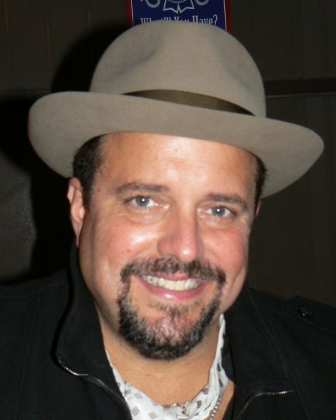 Raul Malo in 2011; photo K8 fan (talk) Chris Williams.