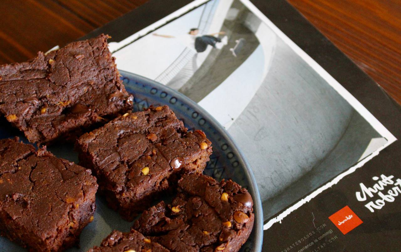 Hot Chocolate Brownie - Salad Grinds