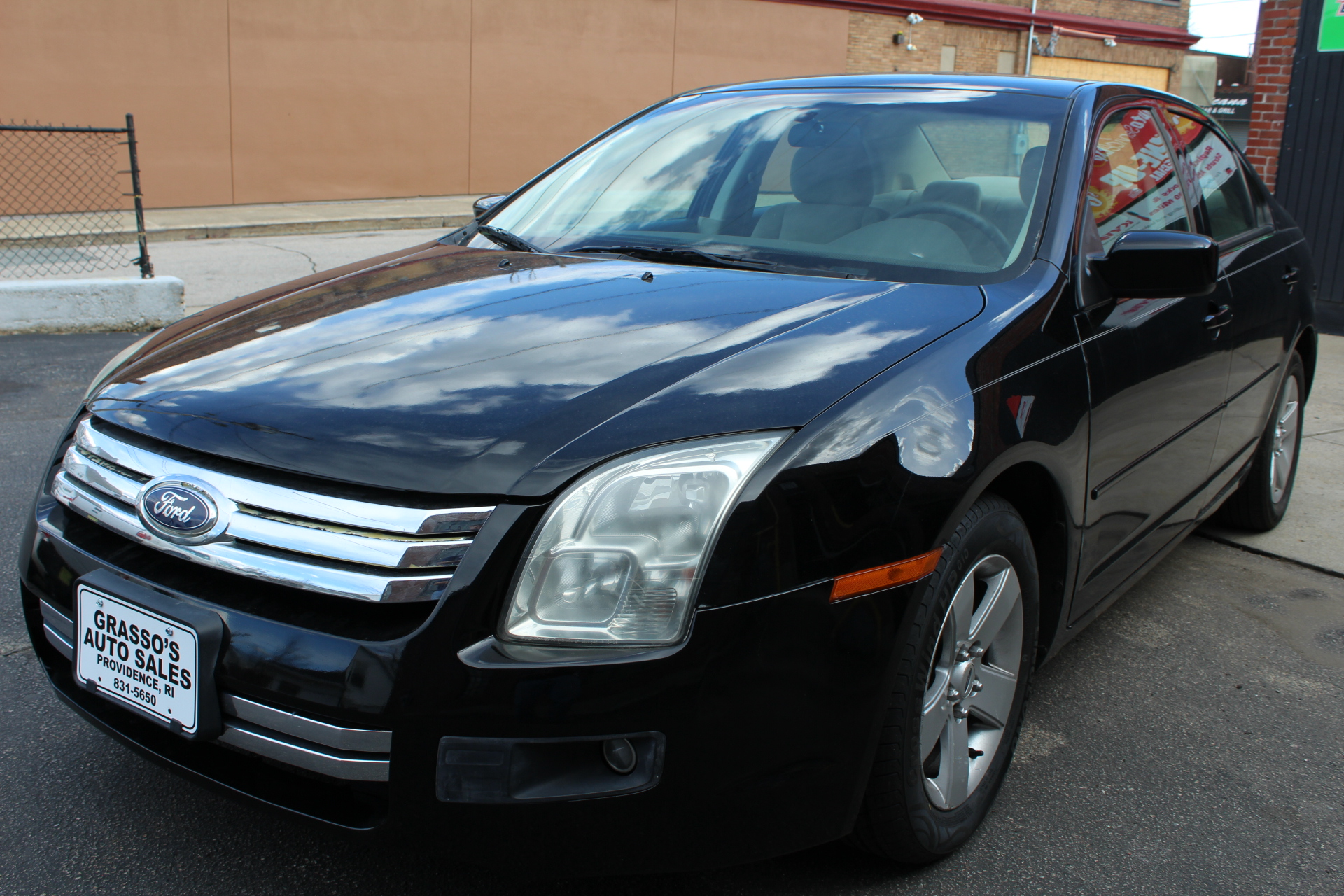 2006 Ford Fusion  NON SMOKER  COMPLETELY SERVICED WITH A 2 YEAR RHODE ISLAND STATE INSPECTION STI