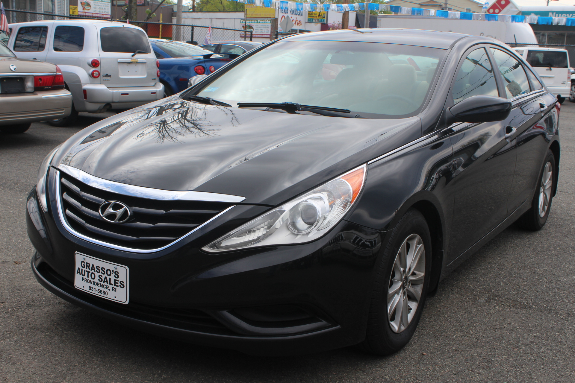 2011 Hyundai Sonata 4dr Sdn 24L Auto GLS Ltd Avail Hyundai has put longtime mid-size best-selle