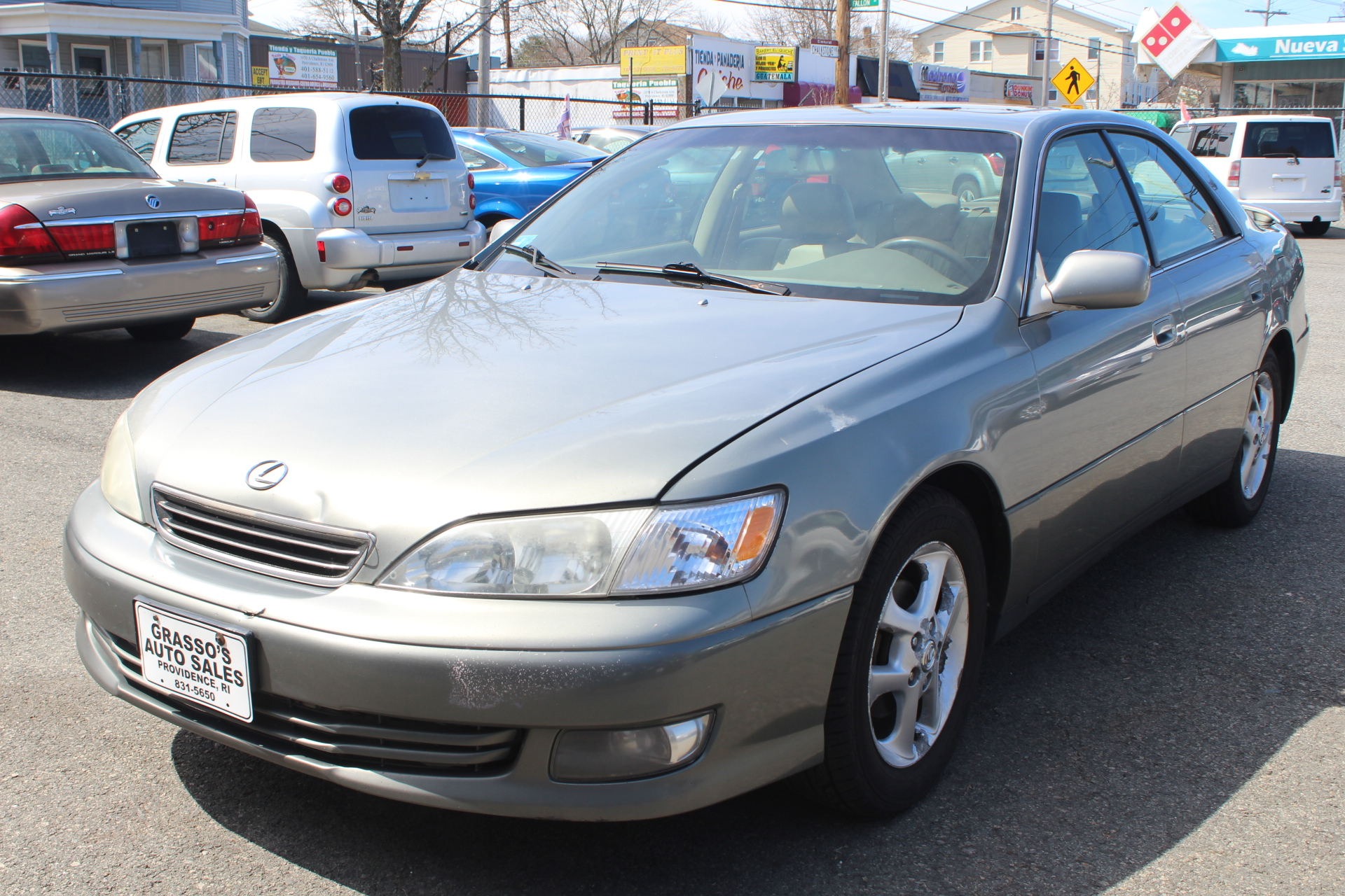 2000 Lexus ES 300 4dr Sdn ONE OWNER  NO ACCIDENTS  NON SMOKER  REMOTE STARTER  COMPLETELY SERV