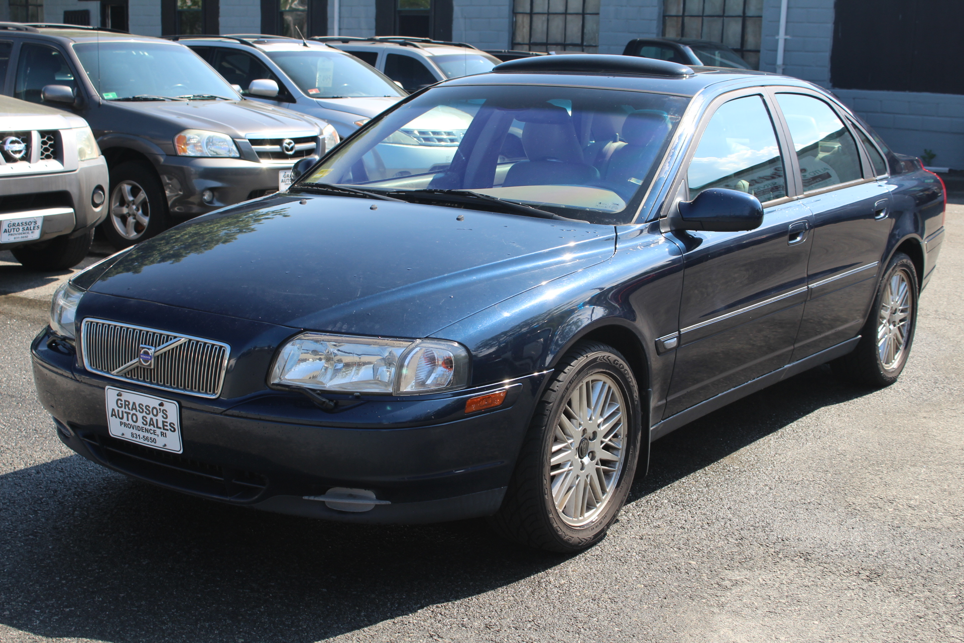 2003 Volvo S80 4dr Sdn 29L NON SMOKER  30 DETAILED SERVICE RECORDS  COMPLETELY SERVICED WITH A