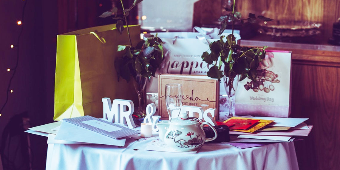 How To Ask For Cash Gifts At Your Wedding Without Being Tacky