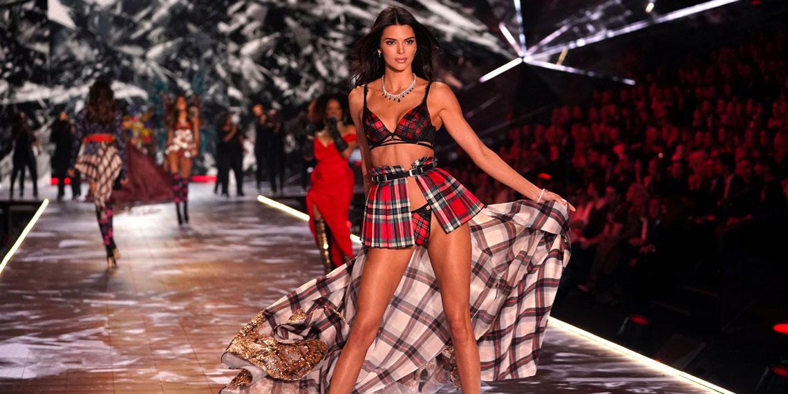 5 Lies The Victoria's Secret Fashion Show Told Us