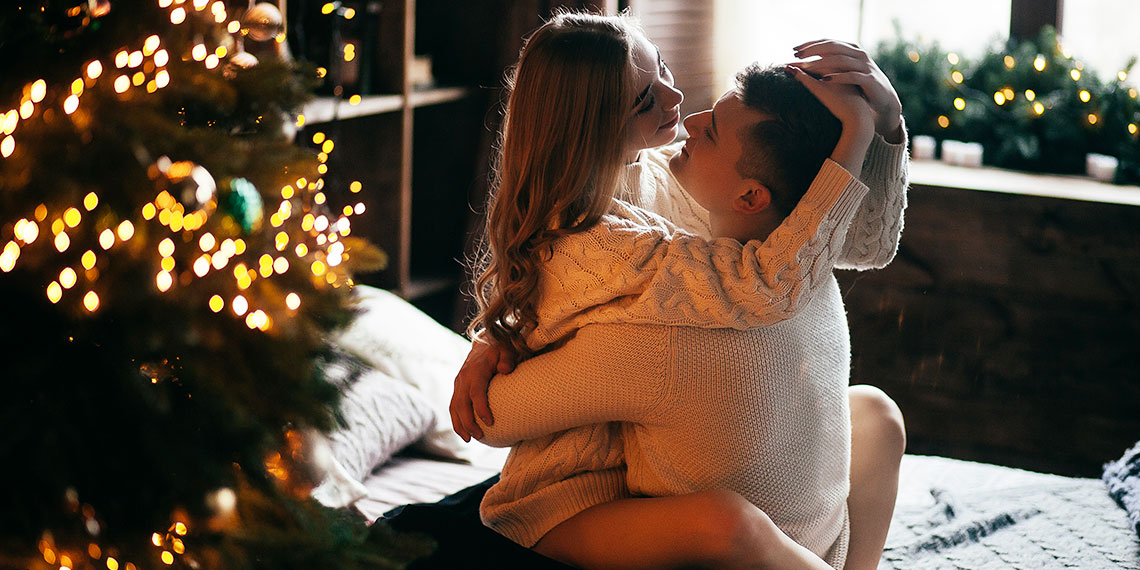 5 Hilariously Bad Tips For Having Sex When You're Home For The Holidays