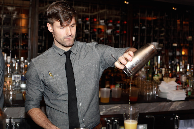 15 things you should know before dating a bartender