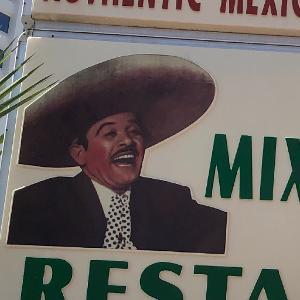 La Mixteca Mexican Restaurant logo