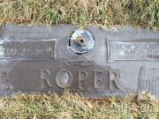 Thumbnail Headstone image of Lynn Edwin Roper