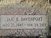 Thumbnail Headstone image of Jan R. Davenport