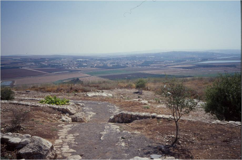 The archaeological remains of Jezreel, a royal city in northern Israel, circa 800 BCE (photograph by Pat Dutcher-Walls)