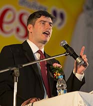 Will Graham, Grandson of Evangelist Billy Graham, Preaches in Thailand