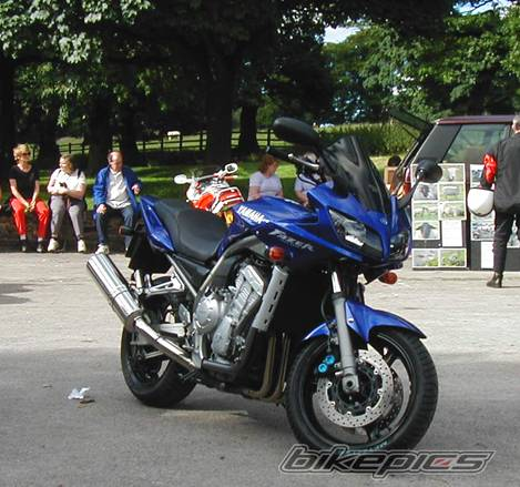 2001 YAMAHA FZ 1 | Picture 5704 motorcycle photo