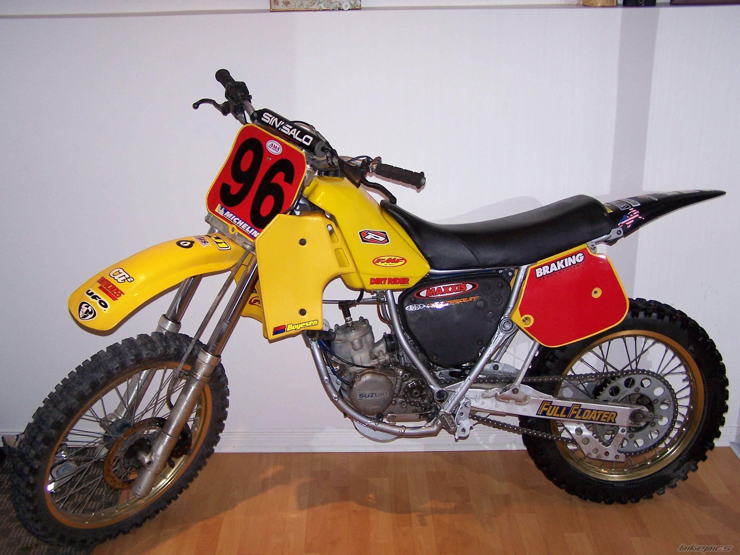 Suzuki GN 125 | 1986-2001.Kantensteinlegenden | Lars Simon