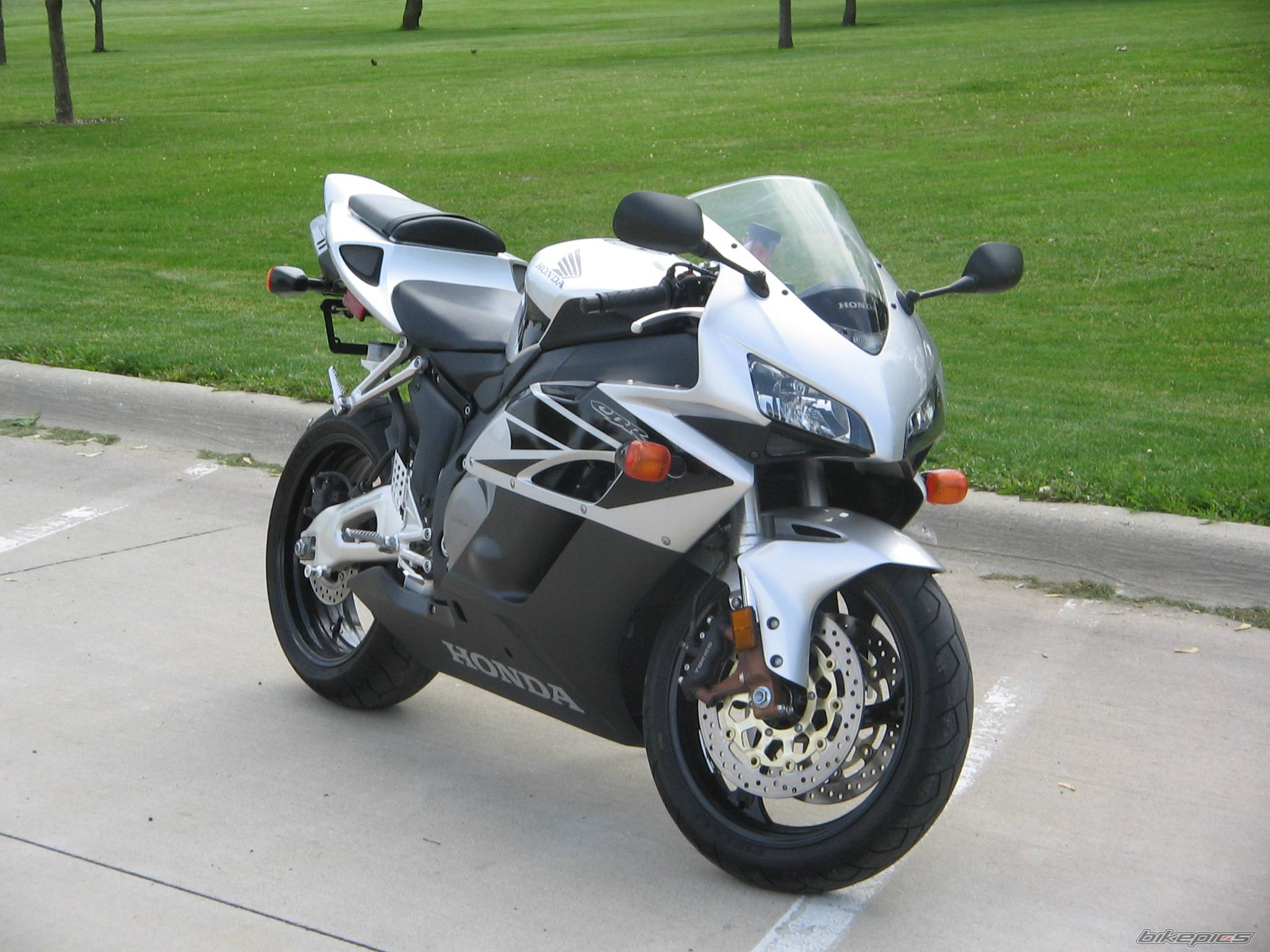 2004 HONDA CBR 1000 RR | Picture 590688 motorcycle photo