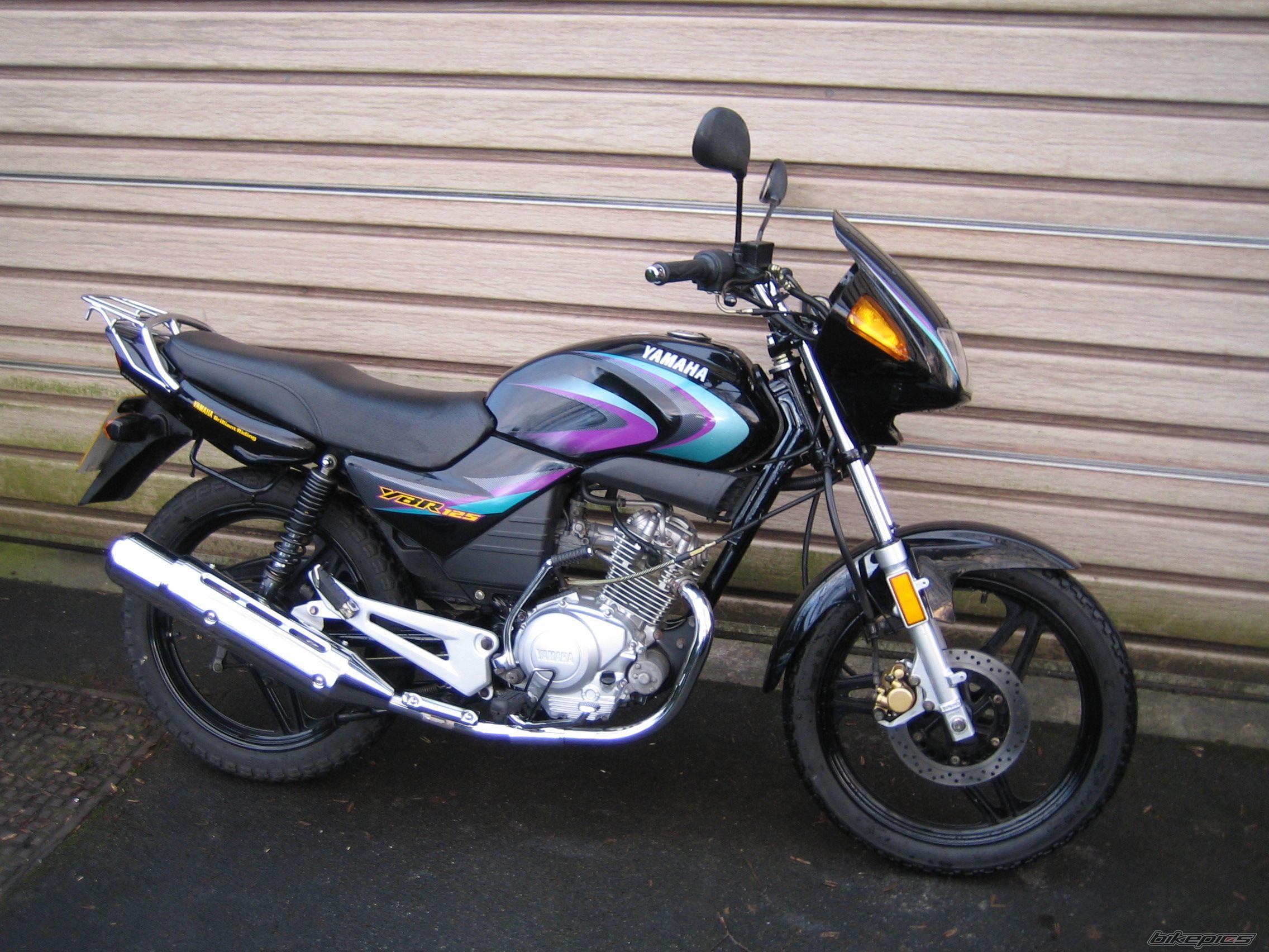 2005 Yamaha YBR 125: pics, specs and information
