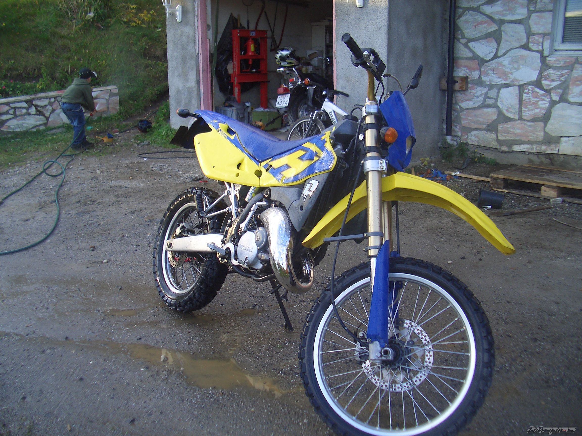 2004 HUSQVARNA WRE 125 | Picture 1039657 motorcycle photo