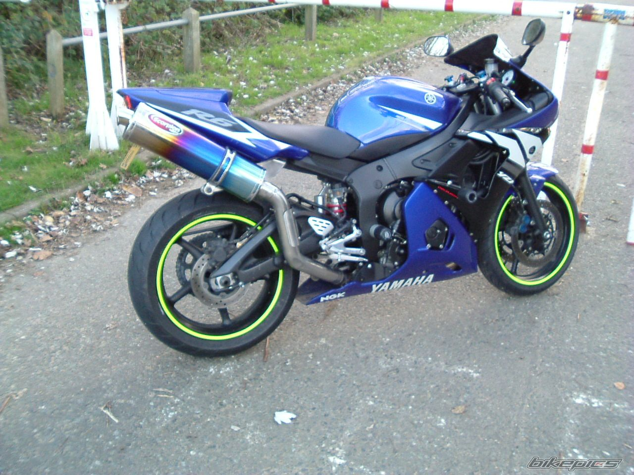 2004 YAMAHA YZF R6 | Picture 1153224 motorcycle photo