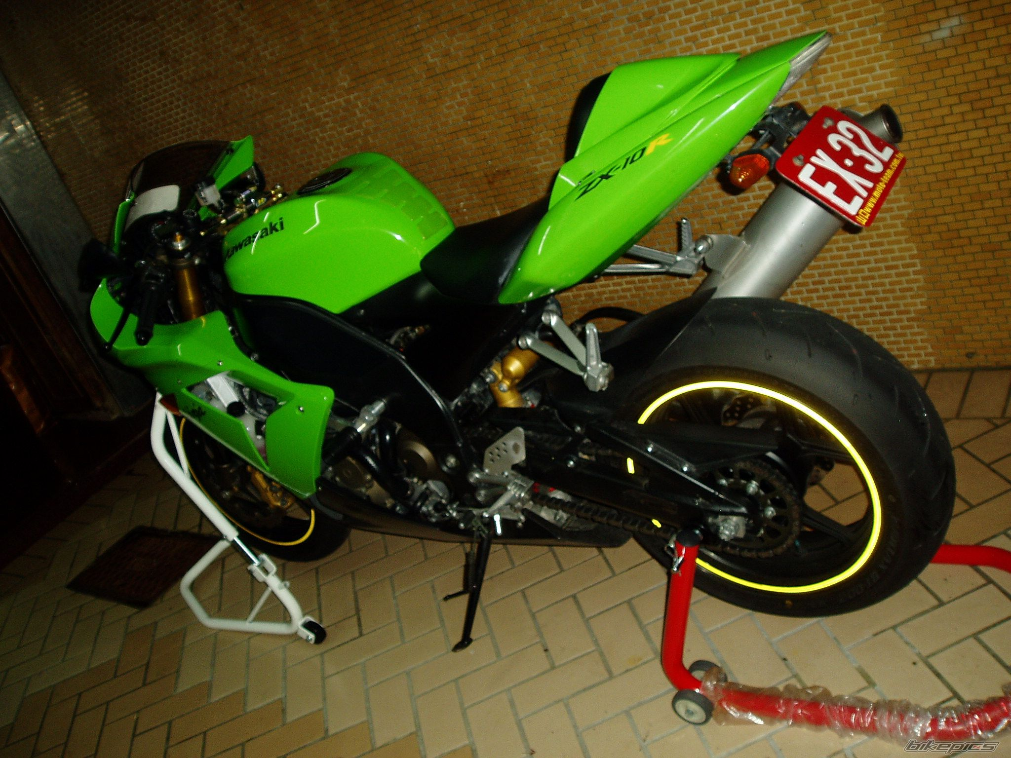 2004 KAWASAKI ZX 10R | Picture 1793150 motorcycle photo