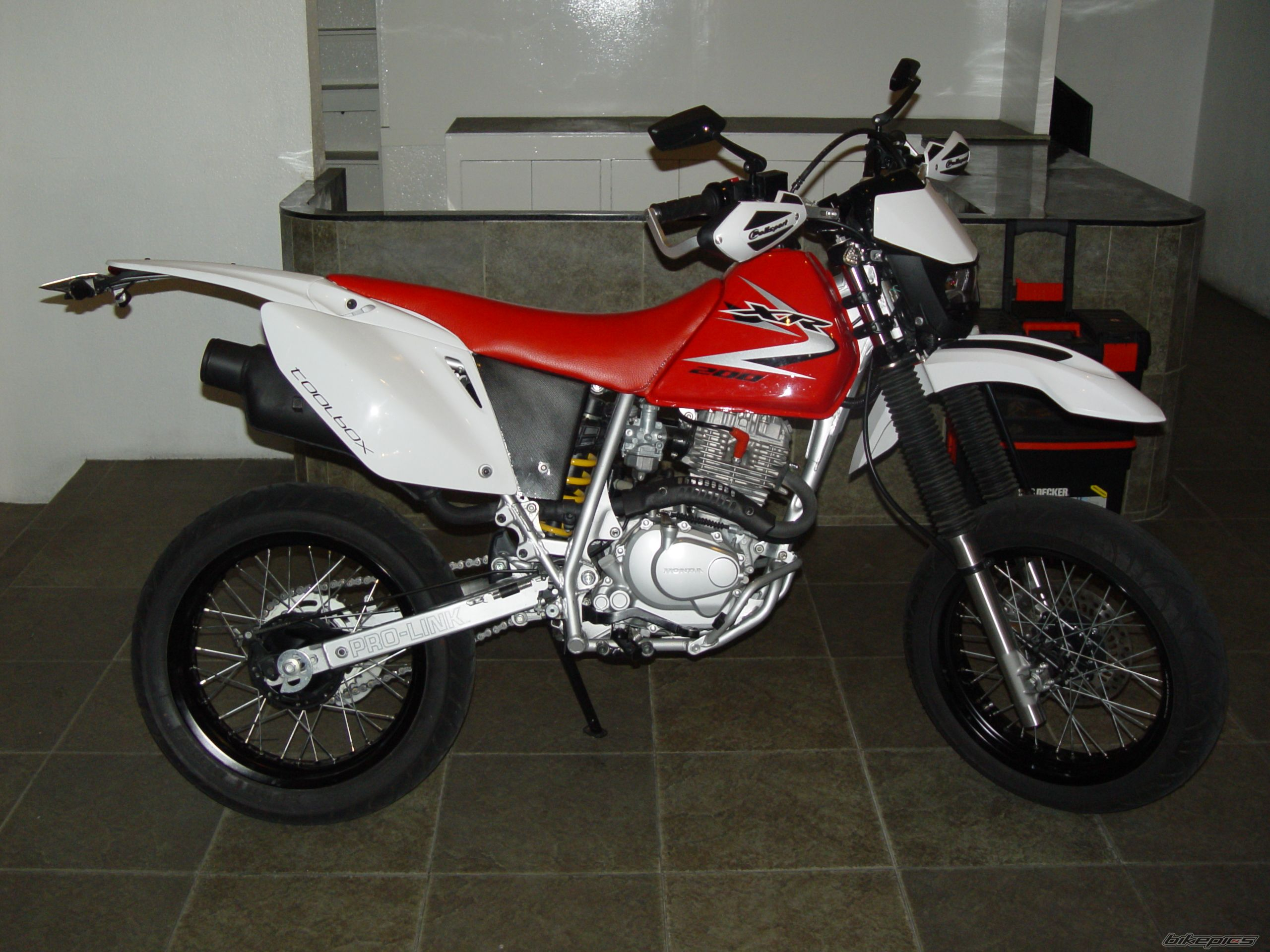 2010 HONDA XR 200 | Picture 2052918 motorcycle photo