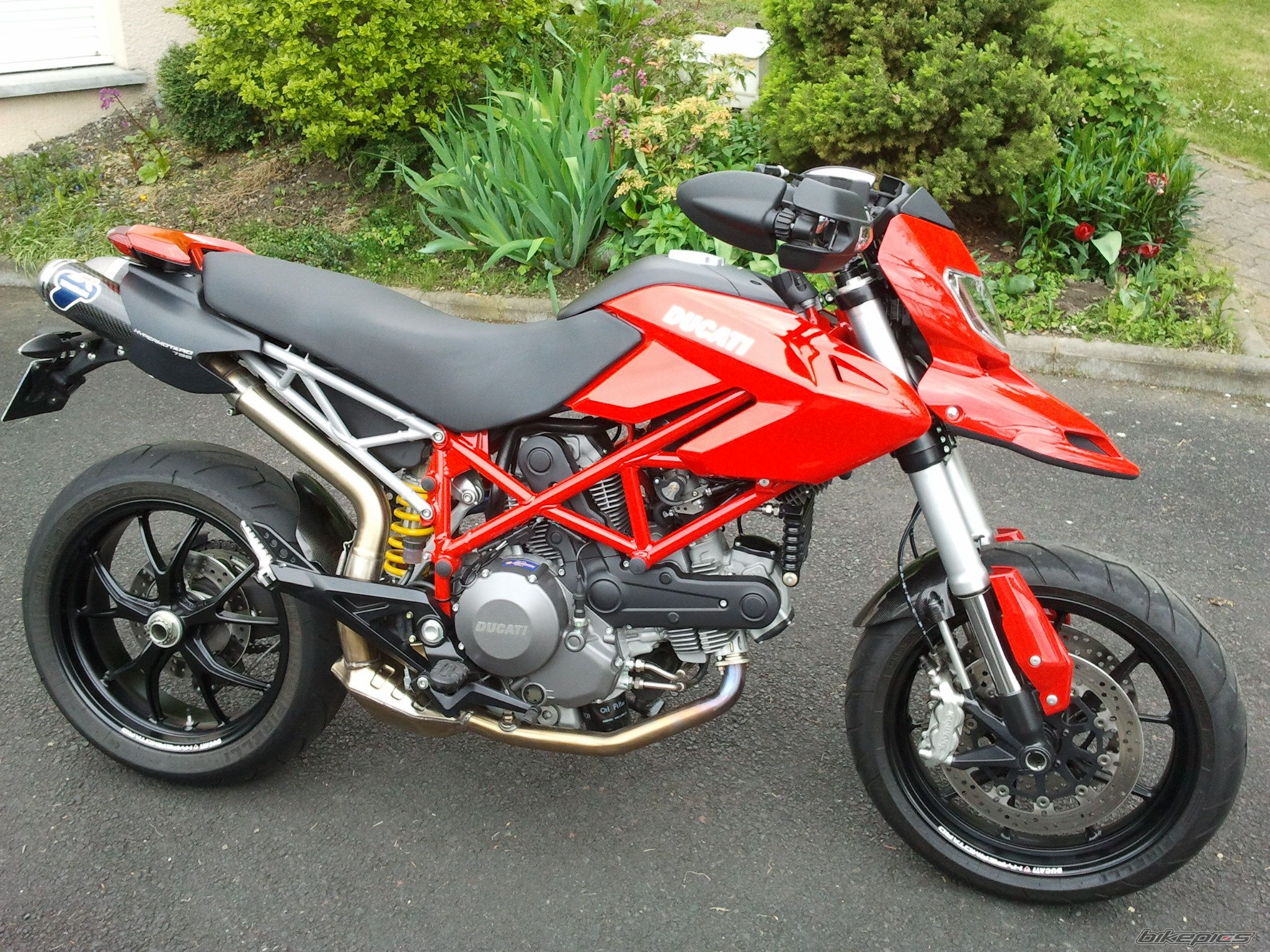 2011 DUCATI HYPERMOTARD 796 | Picture 2402559 motorcycle photo