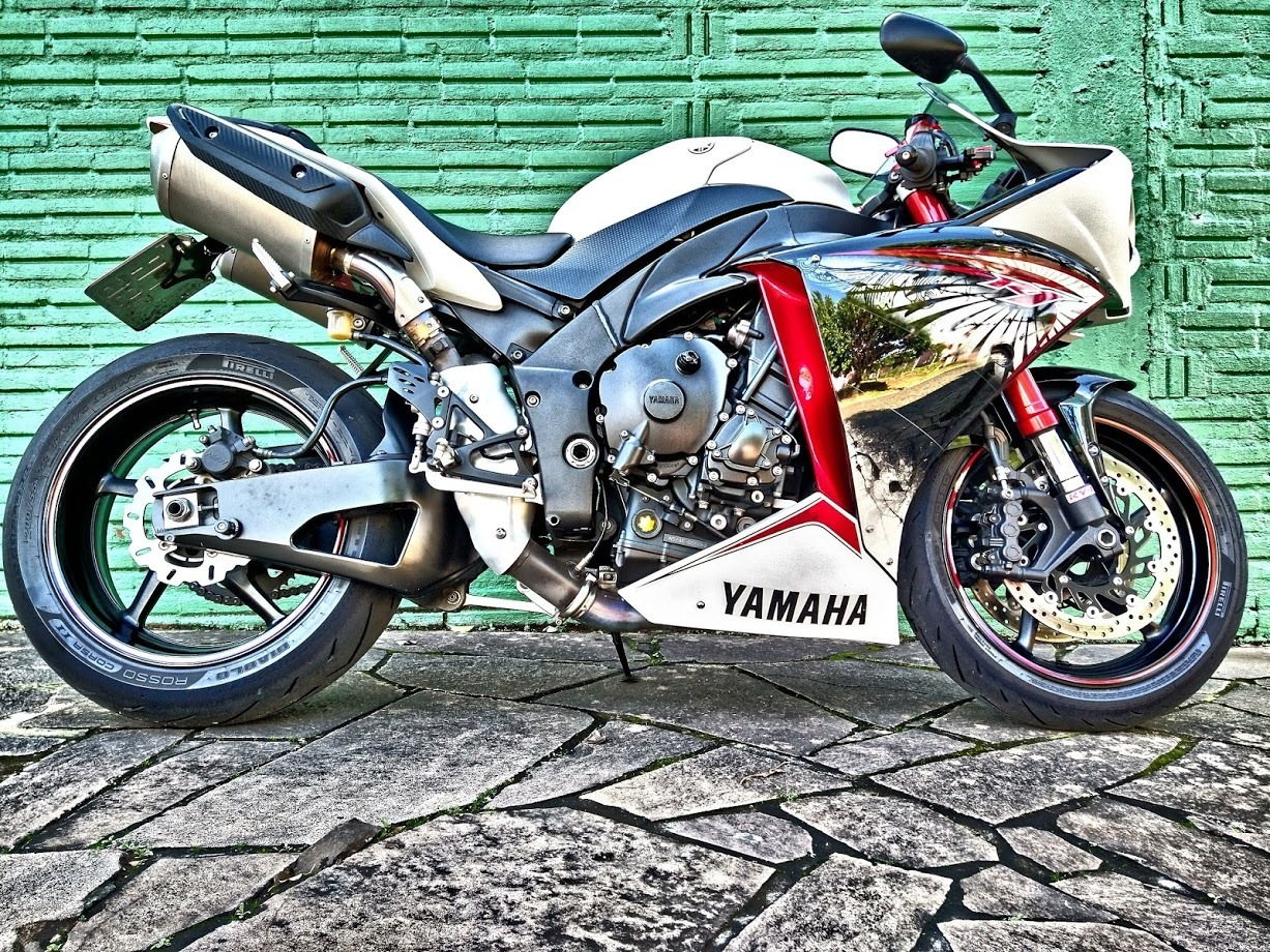 2013 YAMAHA YZF R1 | Picture 2819684 motorcycle photo