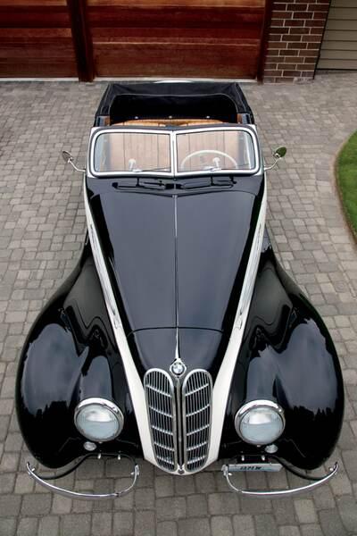 Black tie cabriolet 11