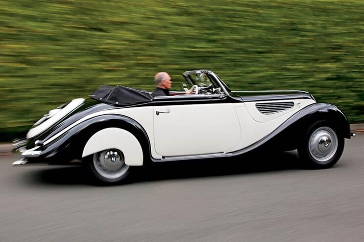 Black tie cabriolet 1
