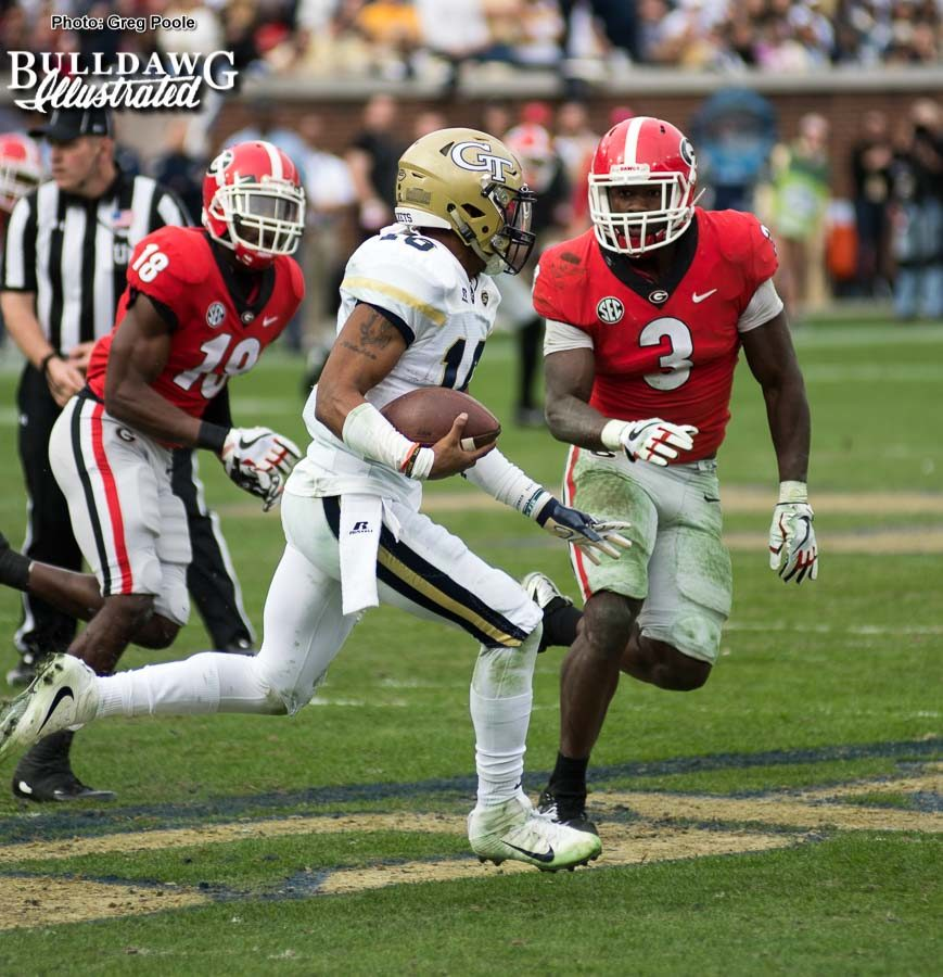 Georgia linebacker Roquan Smith (3) zeroes in on Yellow Jacket QB TaQuon Marshall (16). - UGA vs. GT - Saturday, Nov. 25, 2017 -