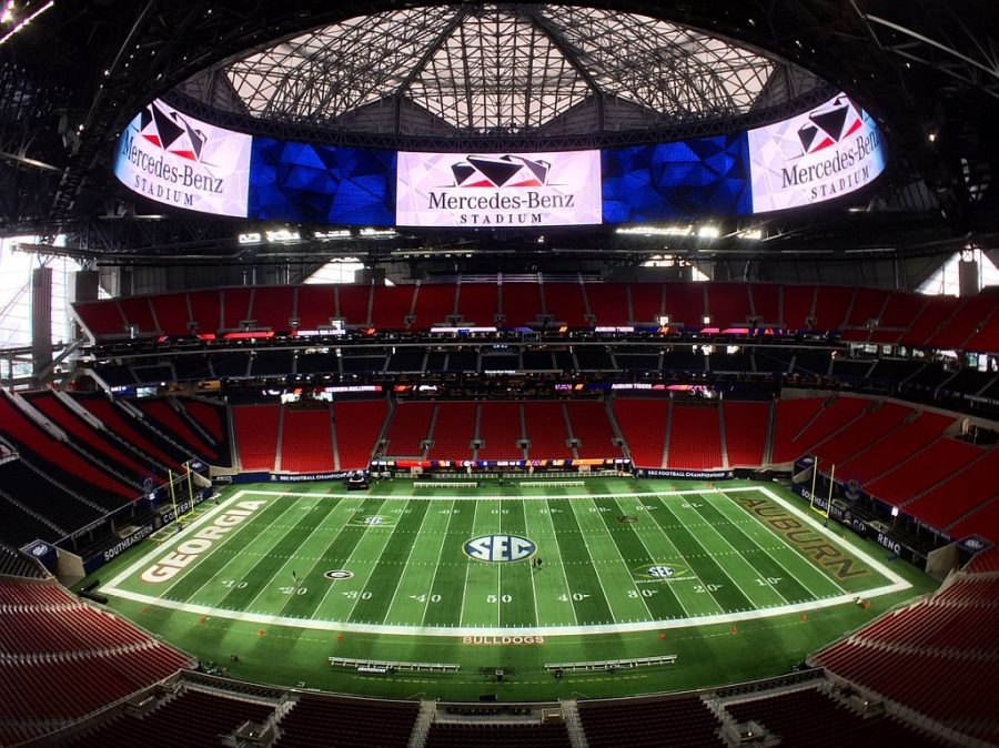 Mercedes-Benz Stadium painted and ready for the SEC Chamionship game.  (photo from Mercedes-Benz Stadium / Twitter)
