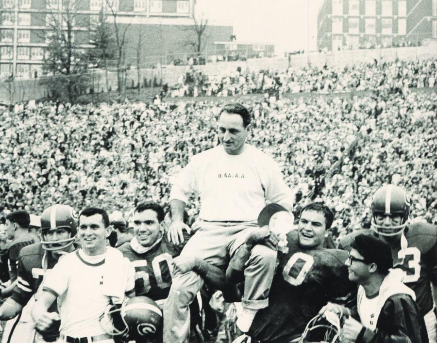 Vince Dooley with 1964 Georgia football team