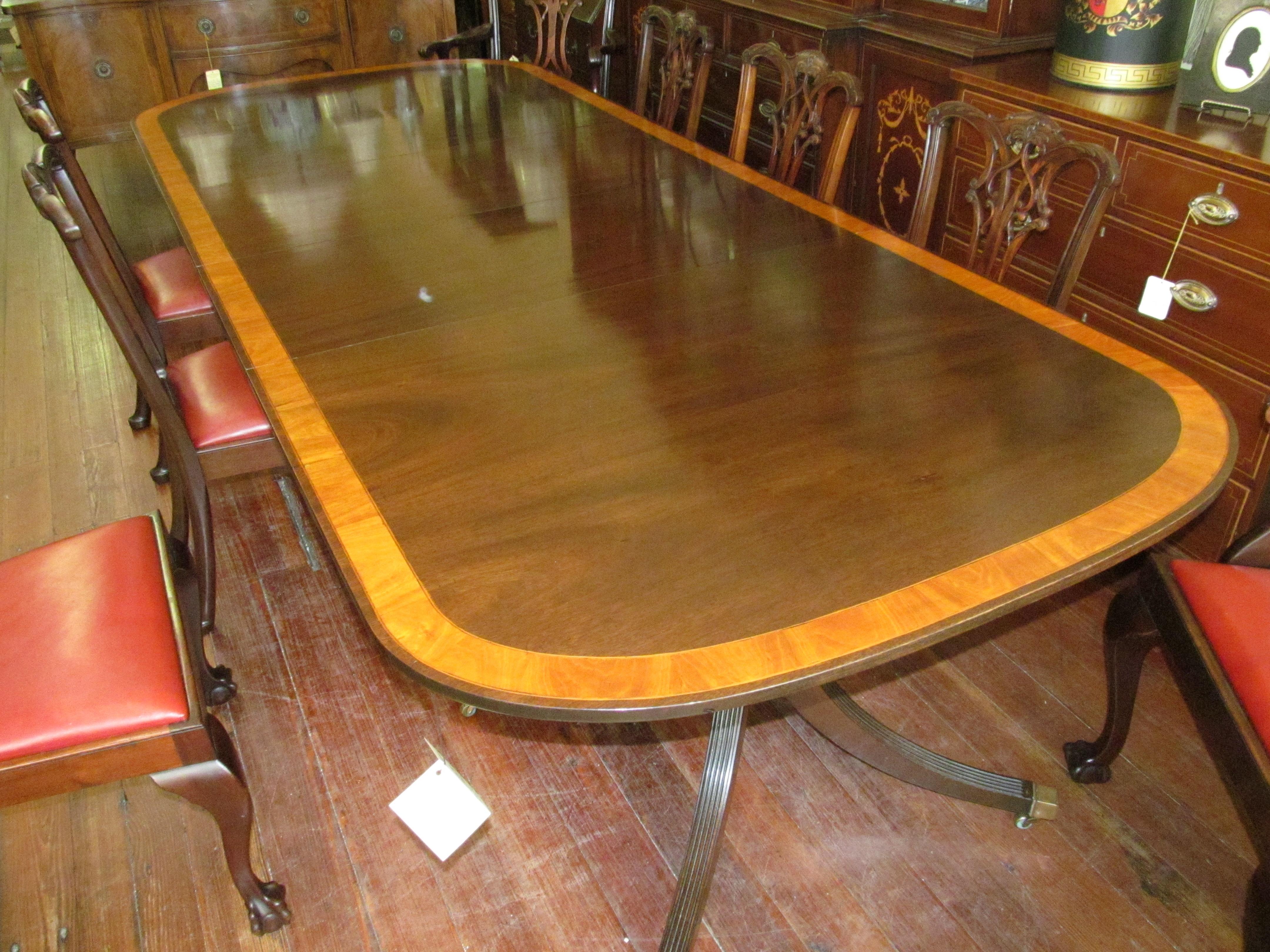 Fine mahogany dining tables - Antique English Mahogany Satinwood Crossbranded Sheraton Style 2 Pedestal Dining Table