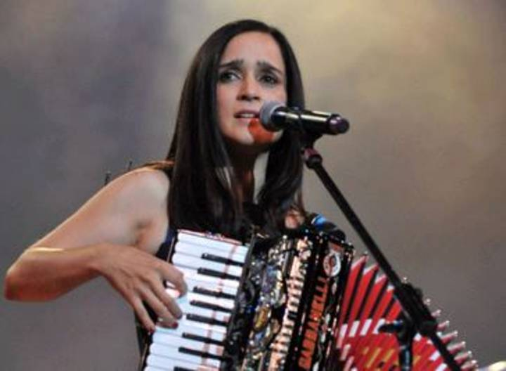Julieta Venegas Tour Dates
