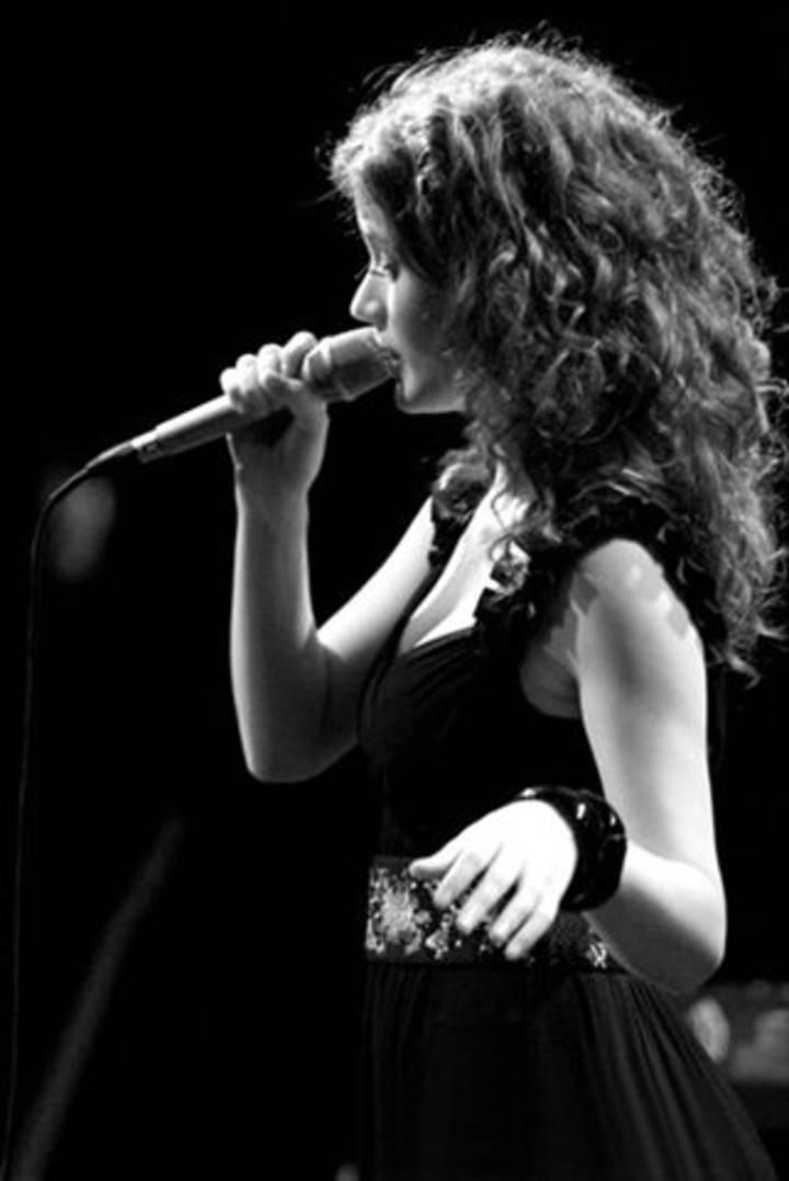 Ana Cañas Tour Dates