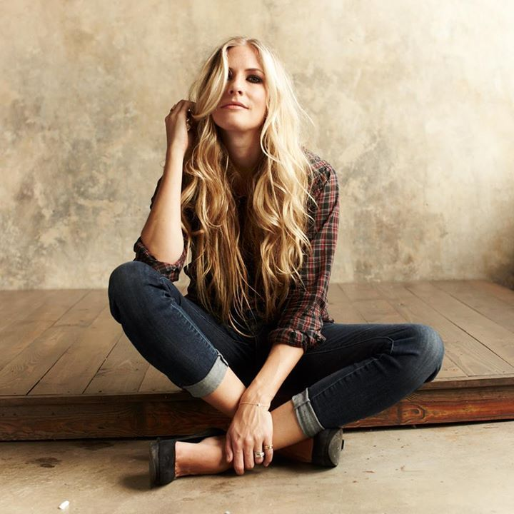 Holly Williams @ McGonigel's Mucky Duck - Houston, TX