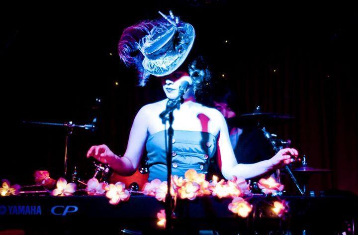Simonne & The Dark Stars @ Komedia - Brighton, United Kingdom