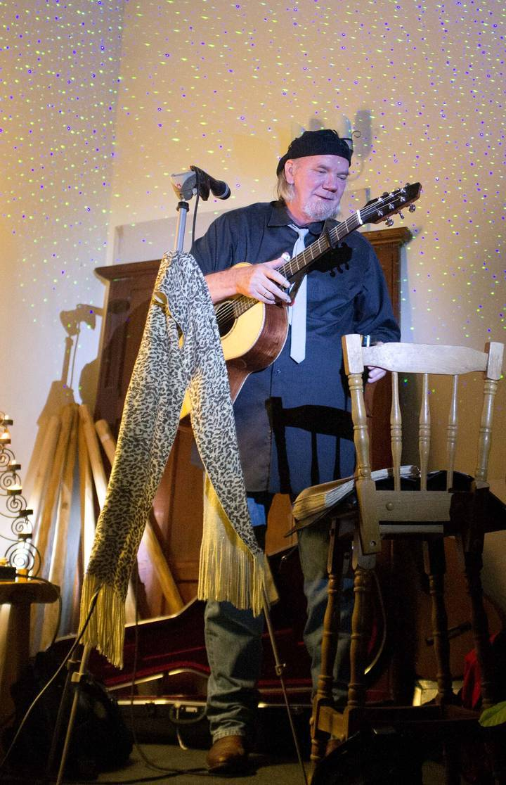 Eric Taylor @ Backstage at the Green Hotel - Kinross, United Kingdom