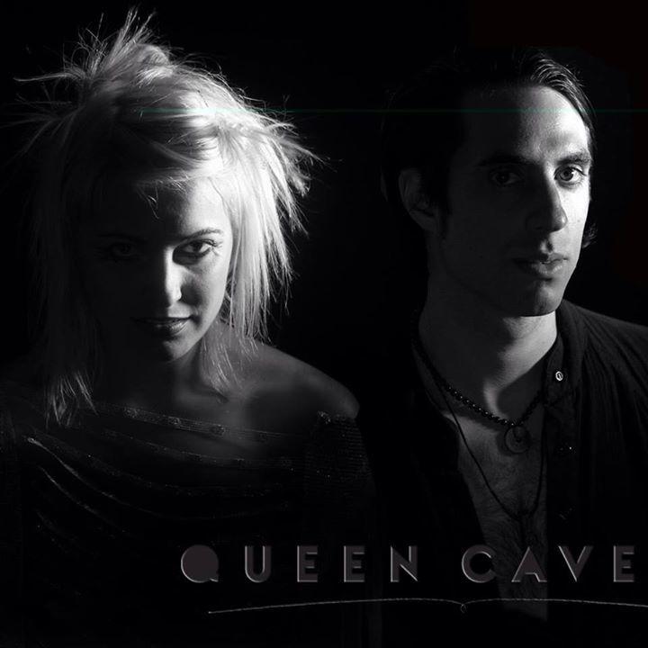 Queen Caveat @ Jakes Sports Cafe - Lubbock, TX
