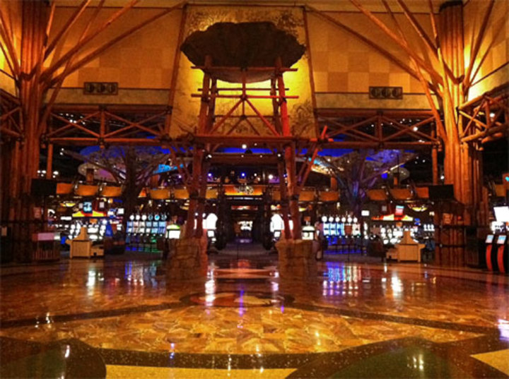 Mohegan sun casino restaurants ct new james bond film casino royale