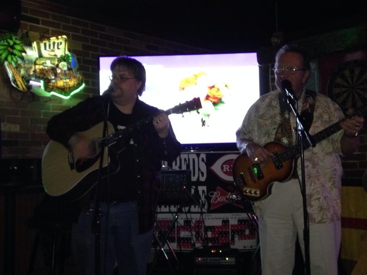 Mike & Dave @ Hank's Mt. Carmel Pub - Cincinnati, OH