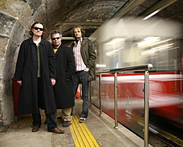 Trio Elf Tour Dates