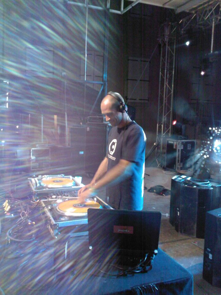 DJ Tom B. @ LAPLAGE DE GLAZART - Paris, France