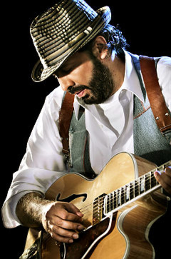 Juan Luis Guerra @ Royal Albert Hall - London, United Kingdom