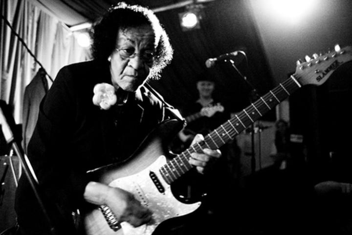 Beverly 'Guitar' Watkins @ Eddie's Attic - Decatur, GA