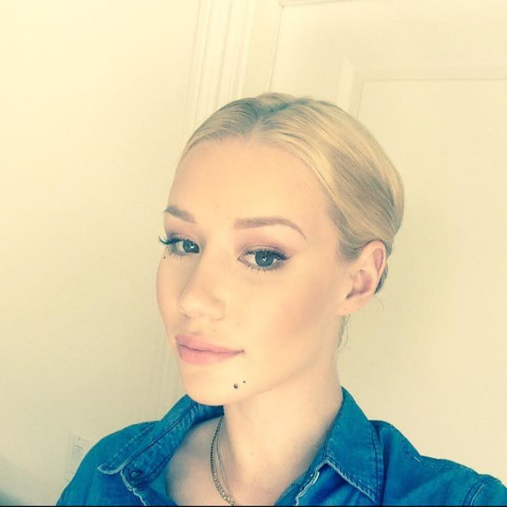 Iggy Azalea @ Boulevard Pool–Mophie Stage at the Cosmopolitan of Las Vegas - Las Vegas, NV