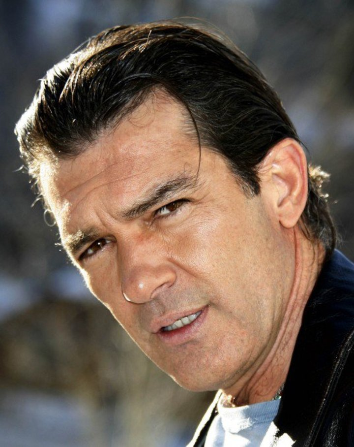 Antonio Banderas Tour Dates