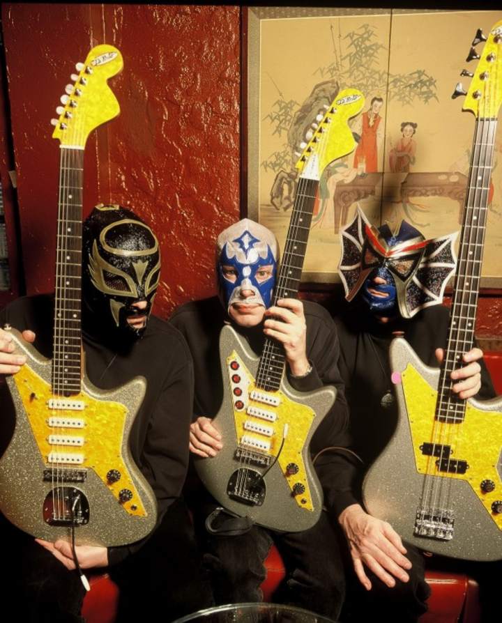 Los Straitjackets @ Tip Top Deluxe Bar & Grill - Grand Rapids, MI