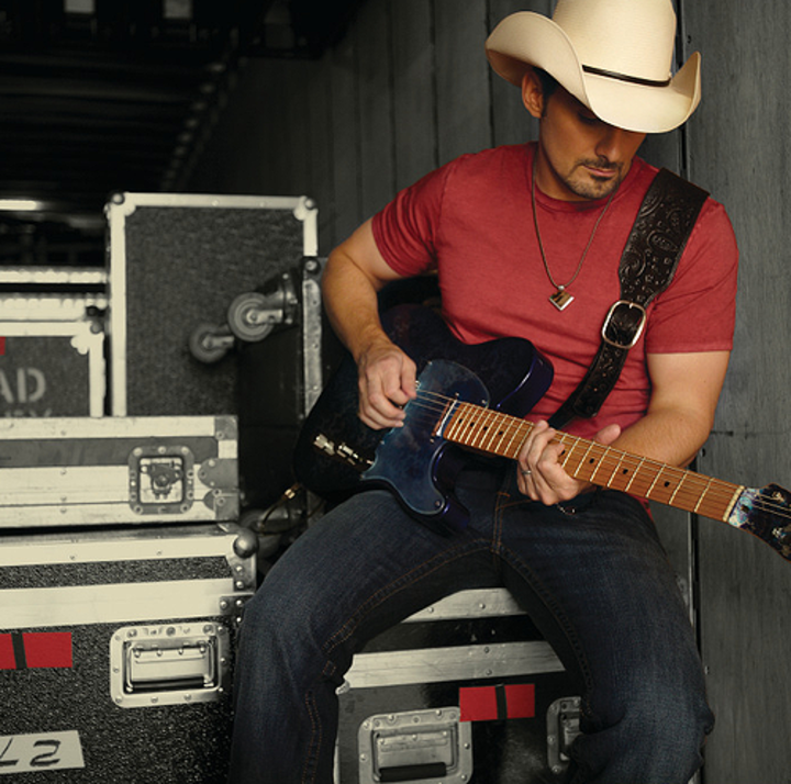 Brad Paisley @ Riverbend Music Center - Cincinnati, OH