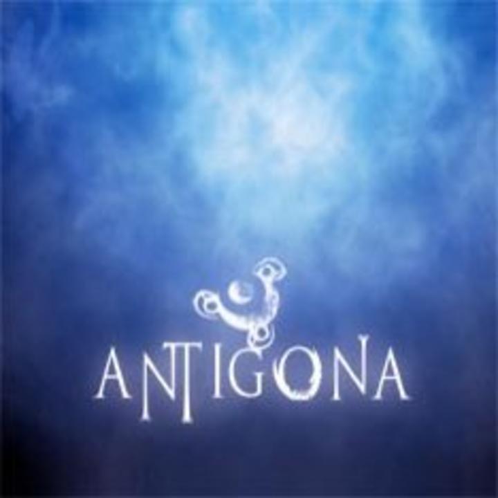 Antígona Tour Dates