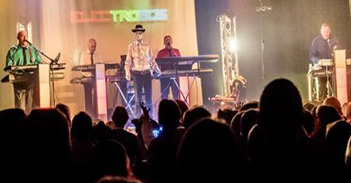 ELECTRO 80's @ Burtonwood CC - Burtonwood, United Kingdom